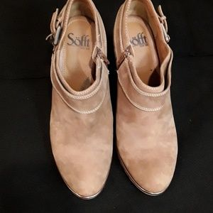 Sofft Brand Handmade Tan Suede Boots Booties 8.5 M
